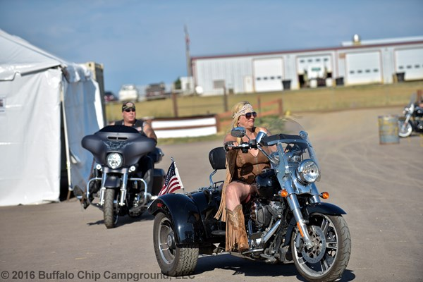 BIKE-WEEK-PHOTOS-BIKER-BELLES004